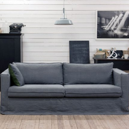A sofa with the Bemz Loose Fit Urban Slipcover.